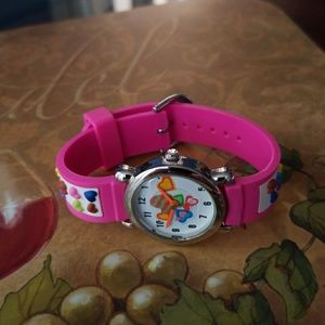 ♡ NWOT Adorable Girls Watch with floating hearts♡